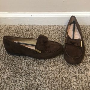 NWOT Cushion walk by Avon brown loafers